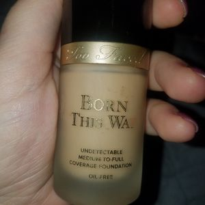 Too Faced Born This Way foundation Vanilla